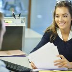 Alumna siendo admitida en un master MBA